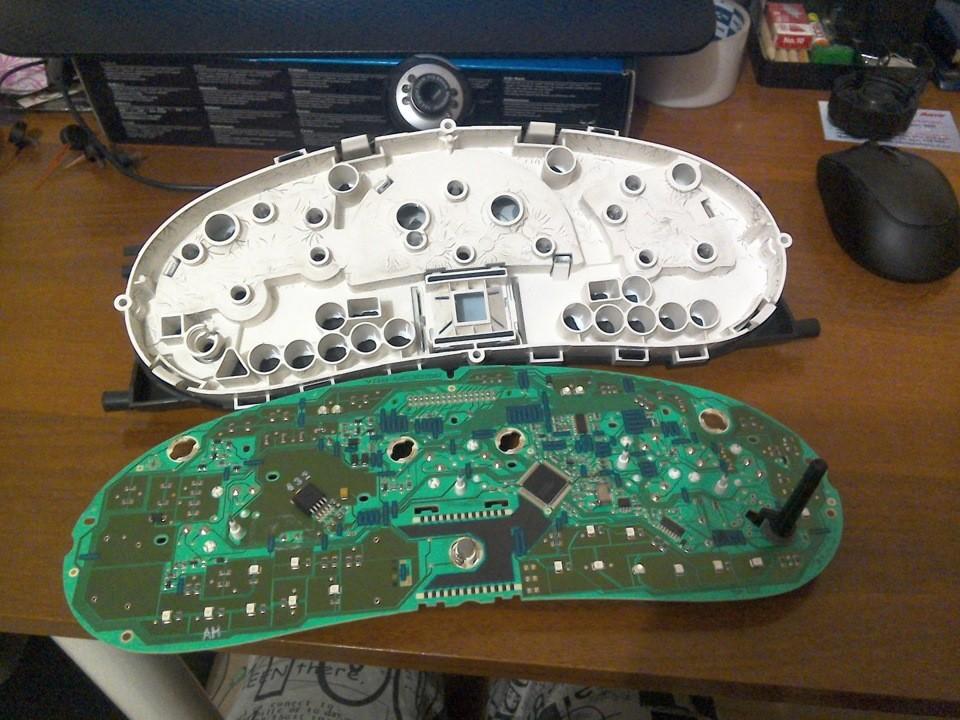 Лечим Бортовой компьтер «Лады Калины» пропайкой резисторной сборки