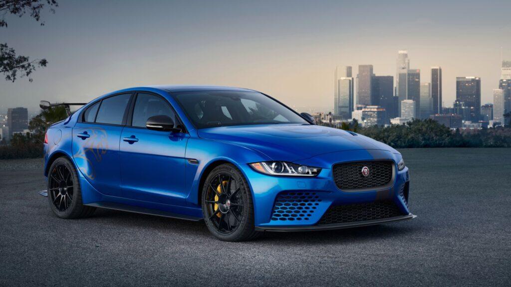 Jaguar: полный обзор линейки электромобилей